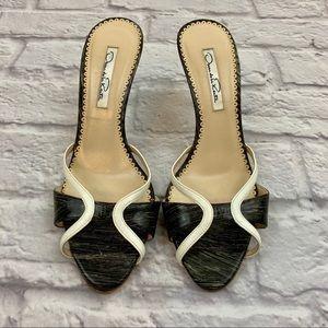{Oscar de la Renta} Black/White Brushstroke Mules